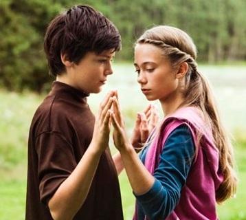 Как поцеловать девочку в 12 лет